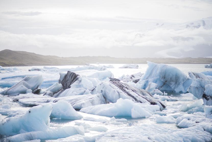 Polo norte con cielo despejado y sol