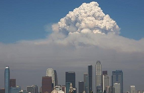 Pyrocumulus Los Ángeles