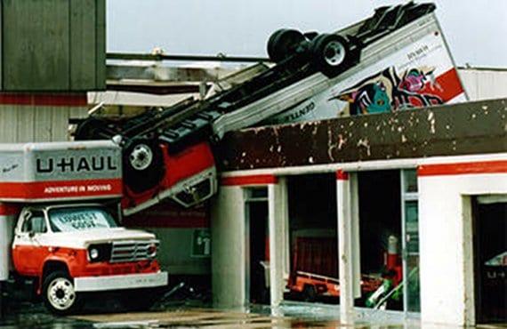 Huracán Andrew 4