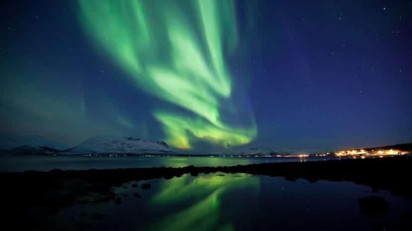 Video thumbnail for vimeo video Auroras boreales: espectacular vídeo filmado en Noruega
