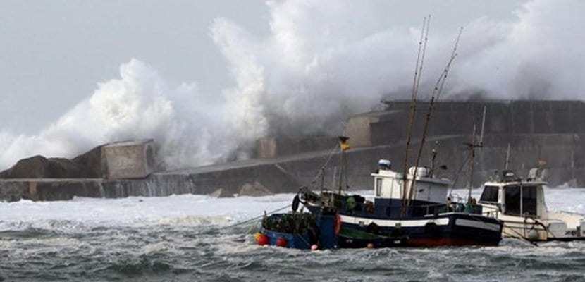 Fuerte oleaje en la costa española