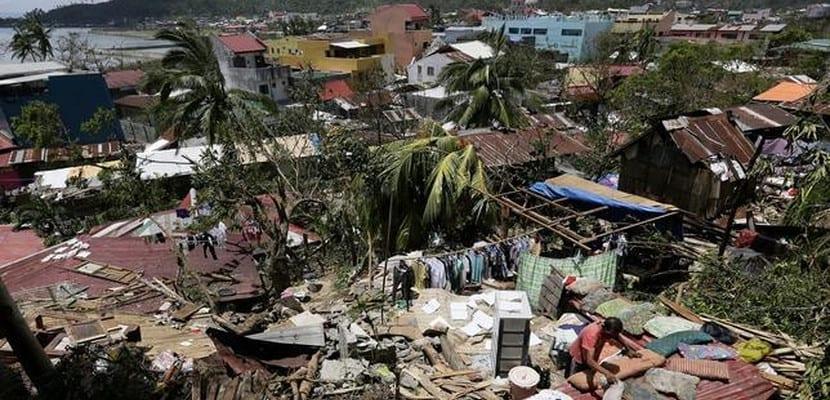 Destrucción causada por el tifón Rammasun en China