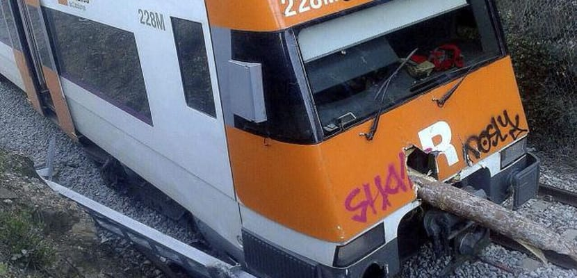 Accidente de tren durante temporal de viento en Cataluña