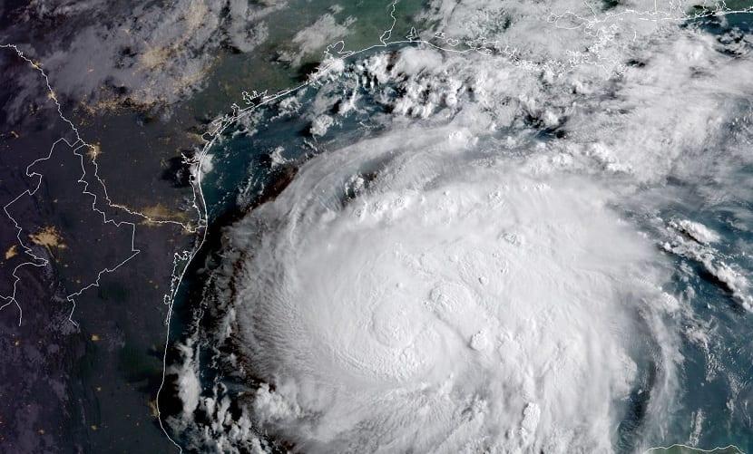 Huracán categoría 2