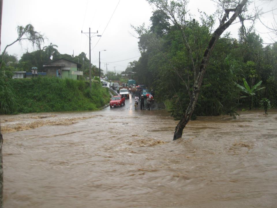 Vista de la inundación en Costa Rica, octubre 2011