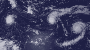 tres huracanes categoría 4 coinciden en el Pacífico