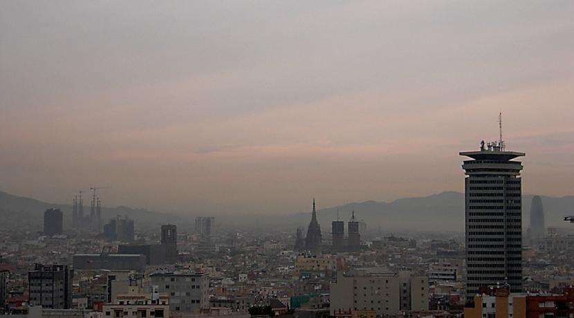 Smog sobre Barcelona