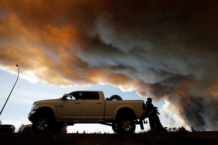 Incendio-en-Canadá-continúa-incontrolable2