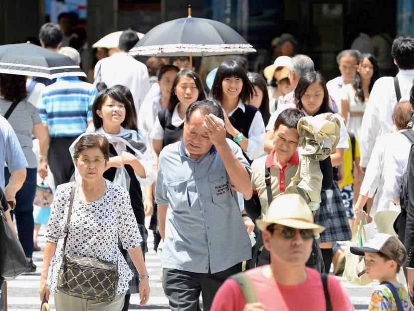 Summer Heat Continues Across Japan