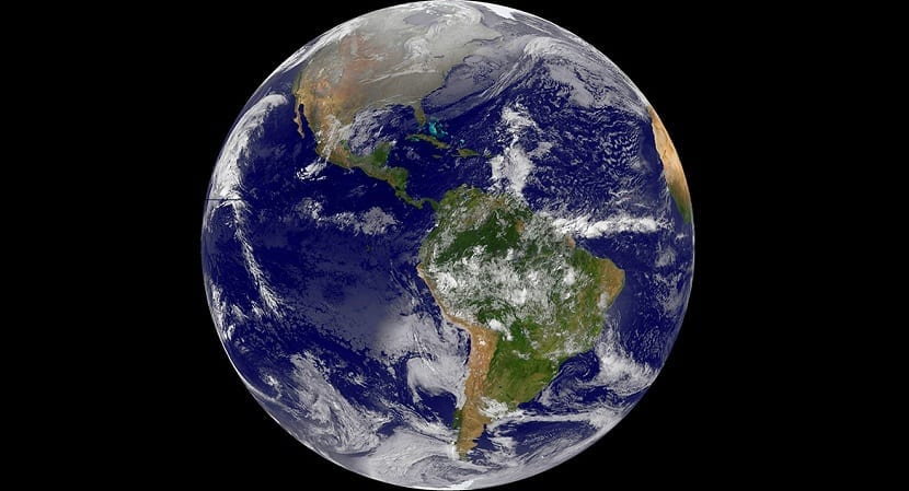 "This December 25, 2013 NASA GOES Project satellite image shows a view of the Western Hemisphere of the Earth on Christmas morning. AFP PHOTO / HO / NASA GOES PROJECT            == RESTRICTED TO EDITORIAL USE / MANDATORY CREDIT: ""AFP PHOTO / NASA GOES Project  / NO SALES / NO MARKETING / NO ADVERTISING CAMPAIGNS / DISTRIBUTED AS A SERVICE TO CLIENTS =="