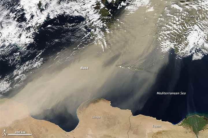 Polvo sahariano transportado por el viento hacia Europa