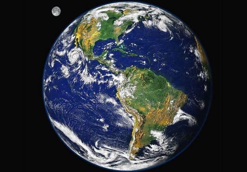 la tierra se escribe en mayúscula en contextos astronómicos