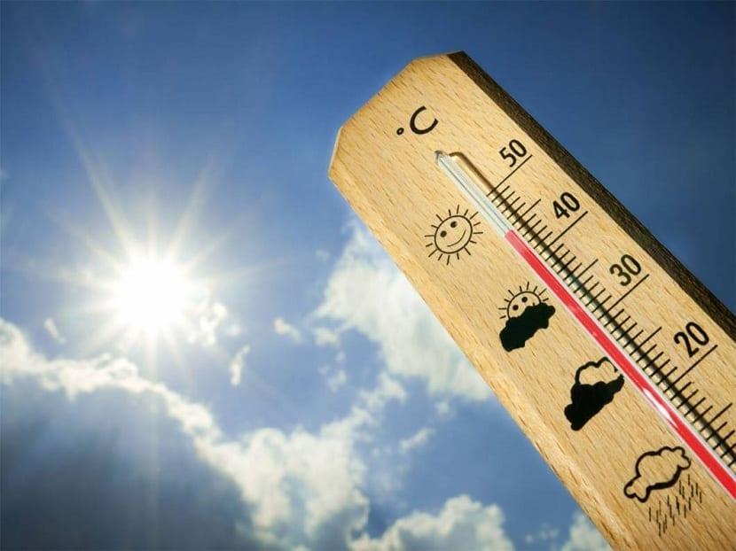 los termómetros miden las temperaturas máximas y mínimas