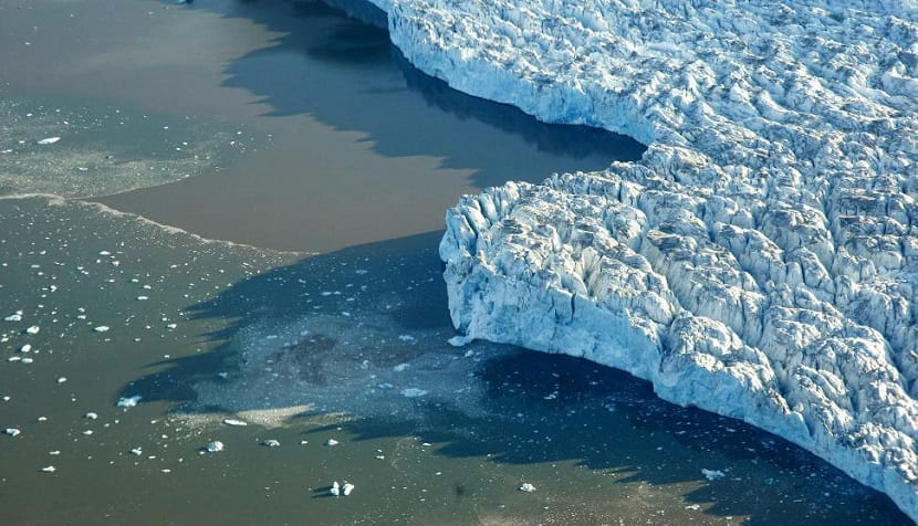 deshielo provocado por el cambio climático y el aumento de las temperaturas globales