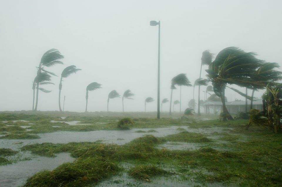 Huracán Dennis a su llegada a Florida