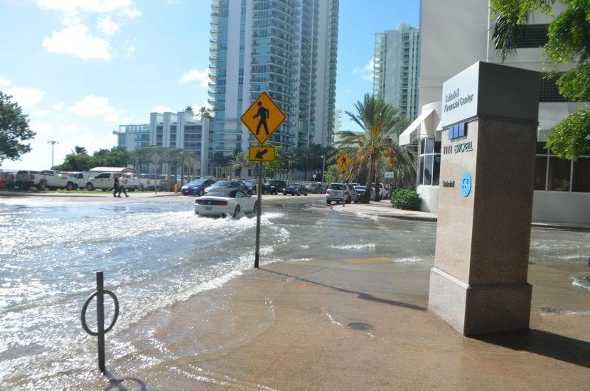Carretera inundada de Miami