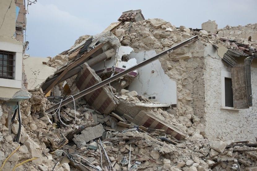 Destrozos por terremoto