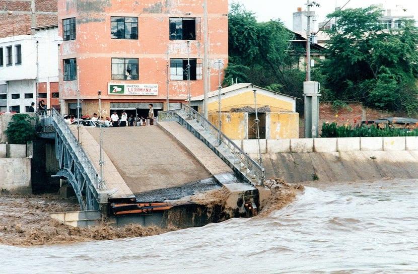 destrozo causado por las inundaciones y crecidas de los rios