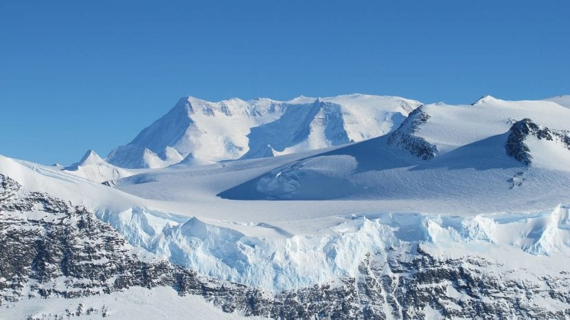 Montaña de la Antártida