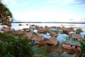 Pueblo en el amazonas
