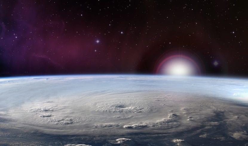 Tifón desde el espacio