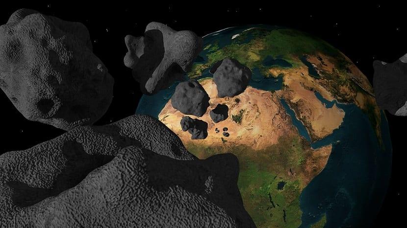 meteoritos hacia el planeta Tierra