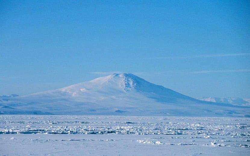 Monte Takahen de la Antártida