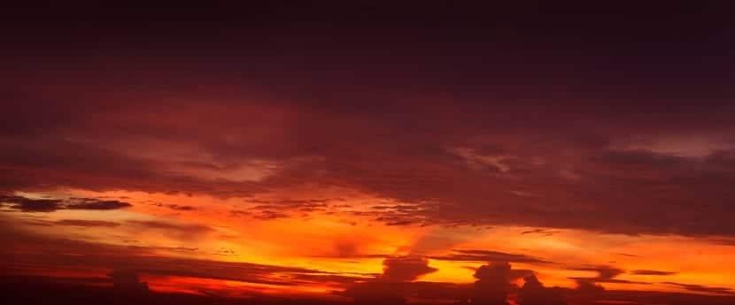 atardecer nubes rojas