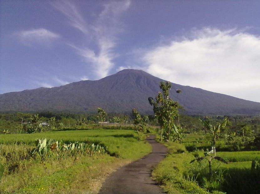 Volcán Agung Indonesia