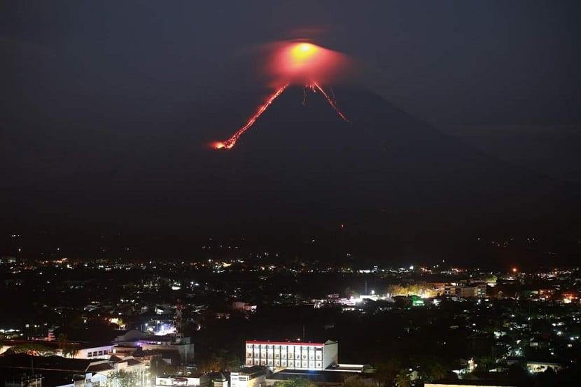 coladas de lava del volcán mayón
