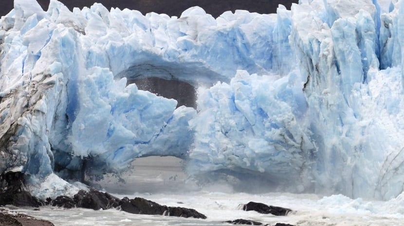 Desprendimiento de glaciares