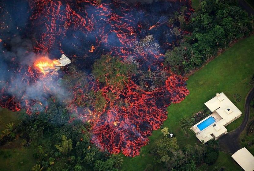 Foto aérea de la erupción