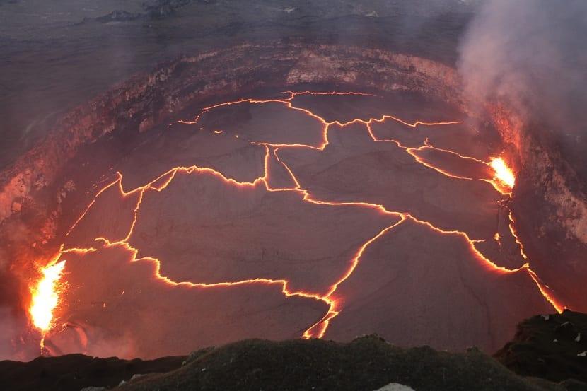 Grietas de lava formada