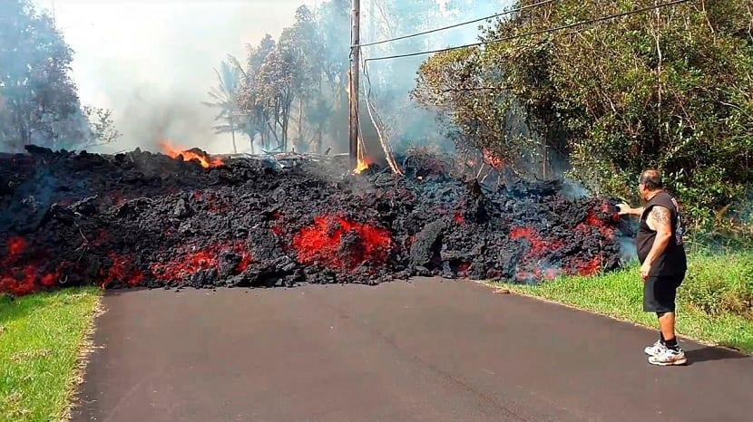Lavas expulsadas por el volcán