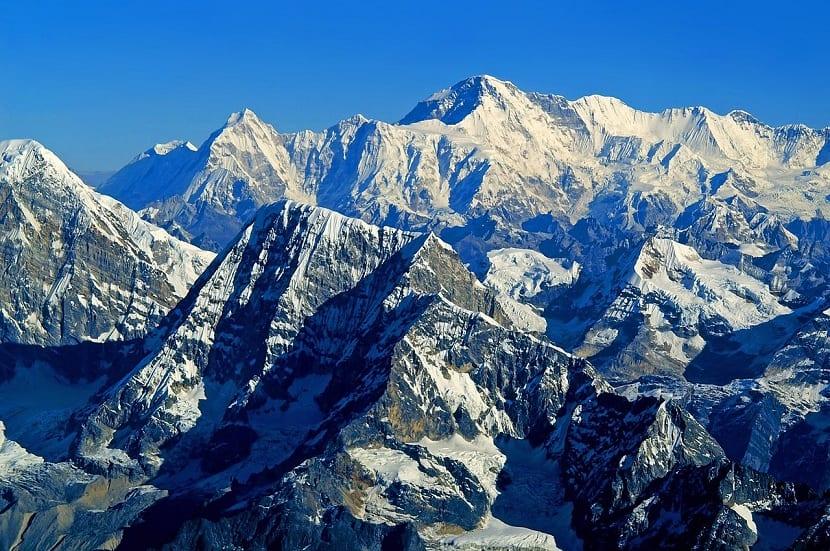 picos altos del Himalaya