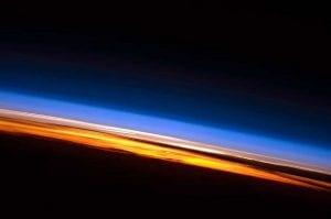 Capas de la atmósfera linea