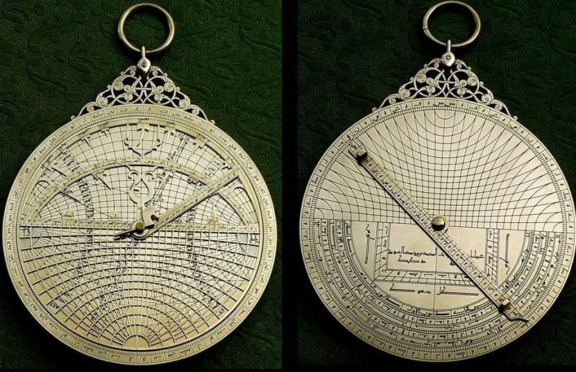 Astrolabio universal
