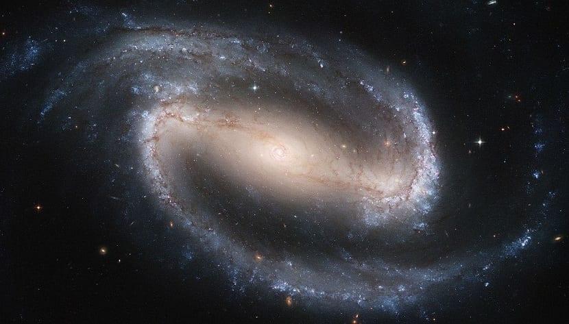 Efecto coriolis en galaxis