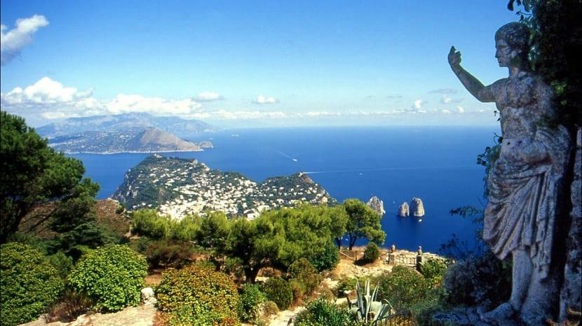 Vistas desde el mar Tirreno