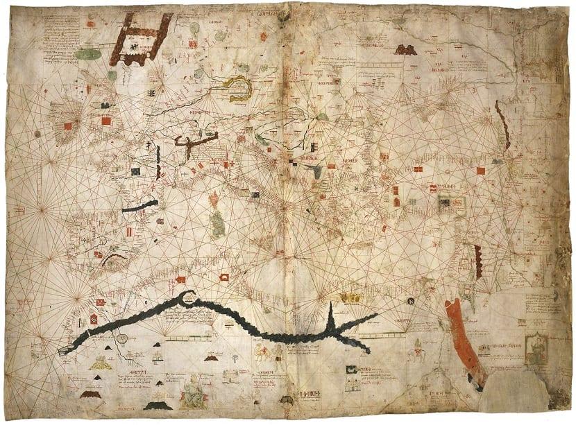 Variedad de mapas portulanos