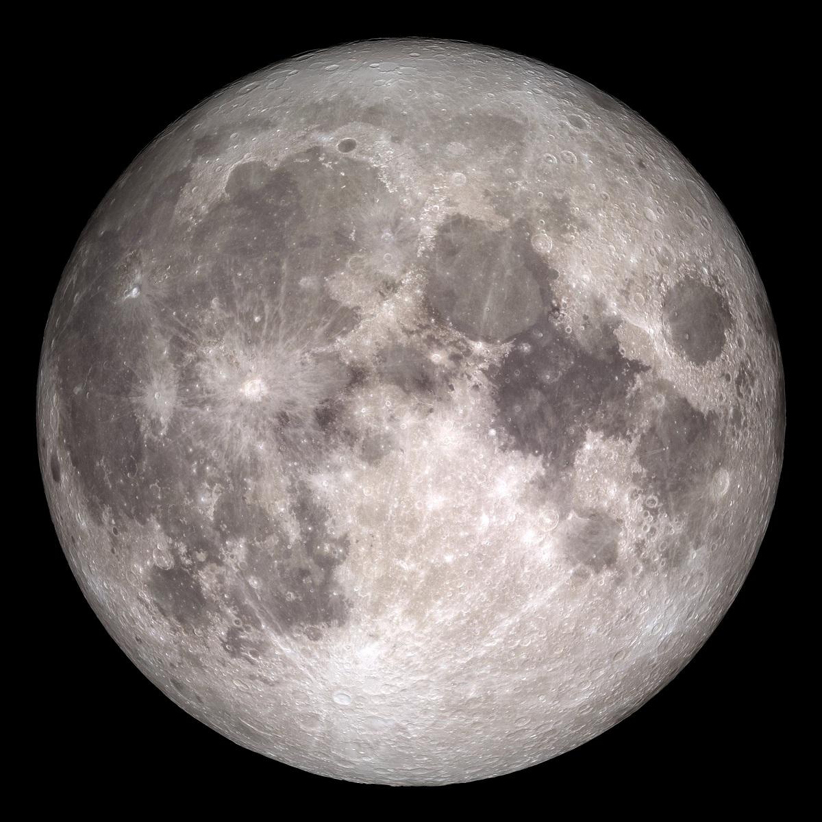 Cara encarada de la Luna
