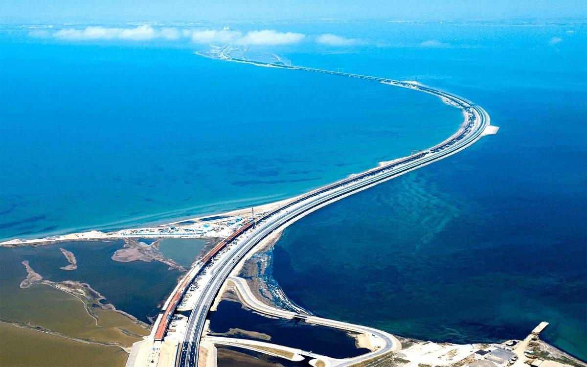 Puente del estrecho de Kerch