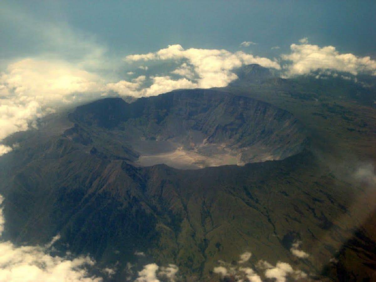 volcan tambora y su caldera