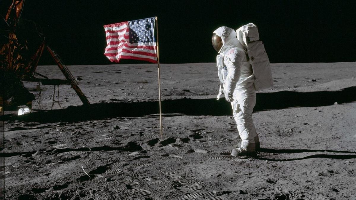 cuantos hombres han pisado la luna