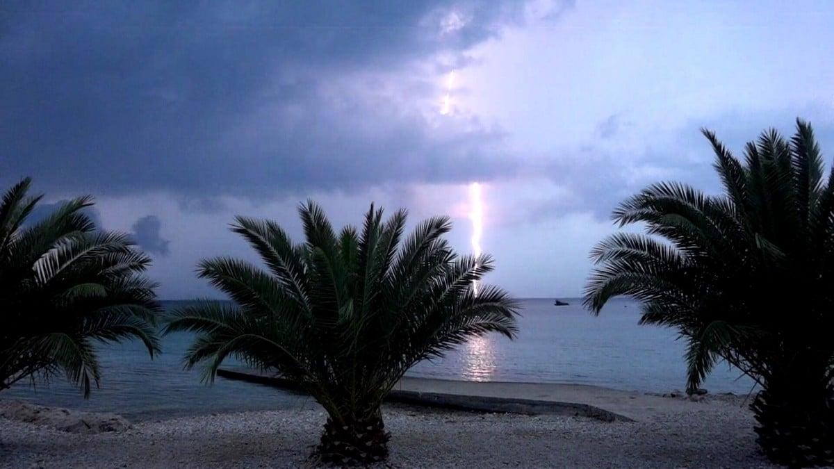 tormentas de verano en alta mar