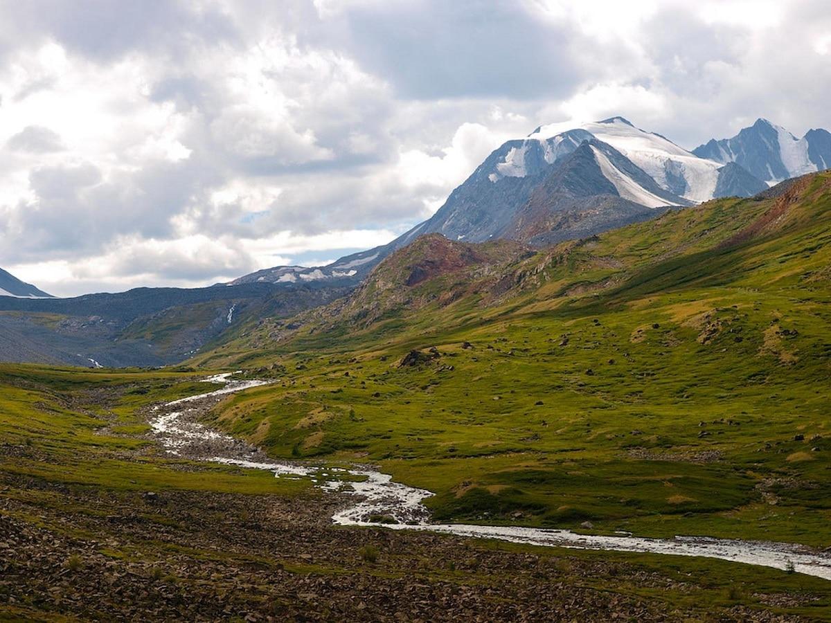 macizo de altai famoso por paisajes