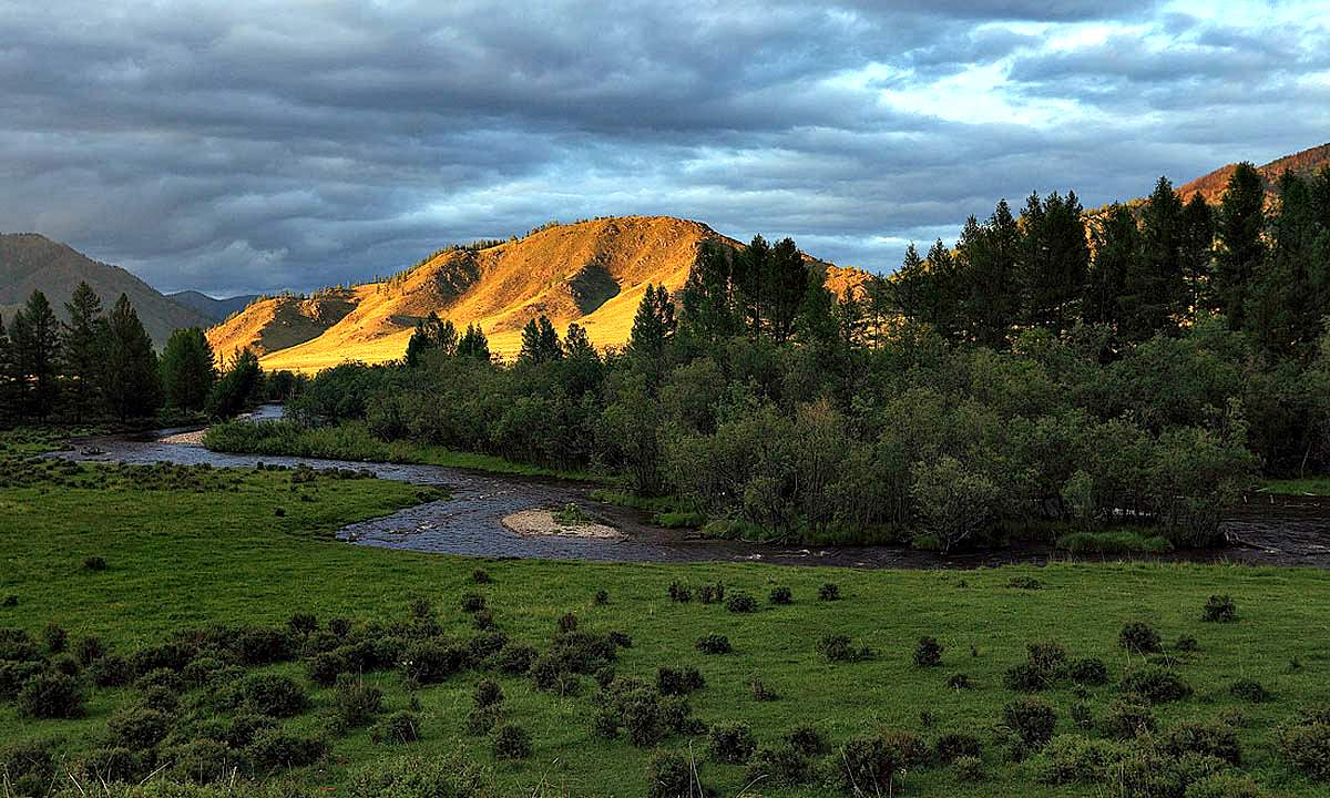 montañas doradas bonitos paisajes