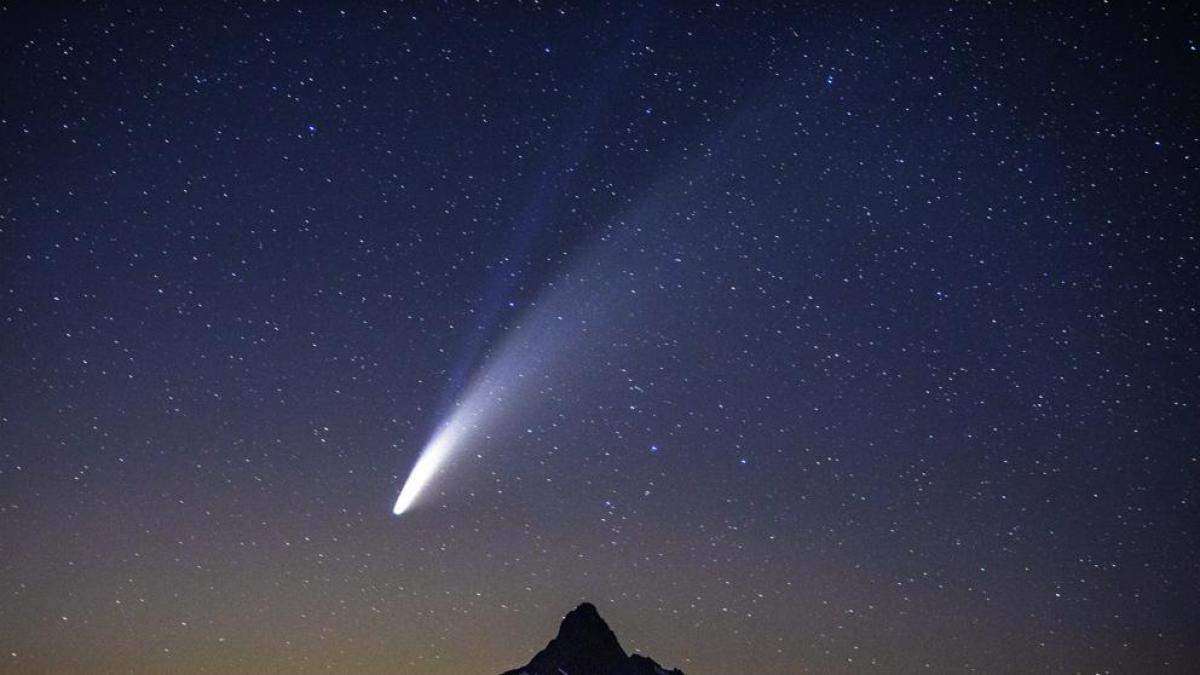 cielo estrellado y objetos celestes