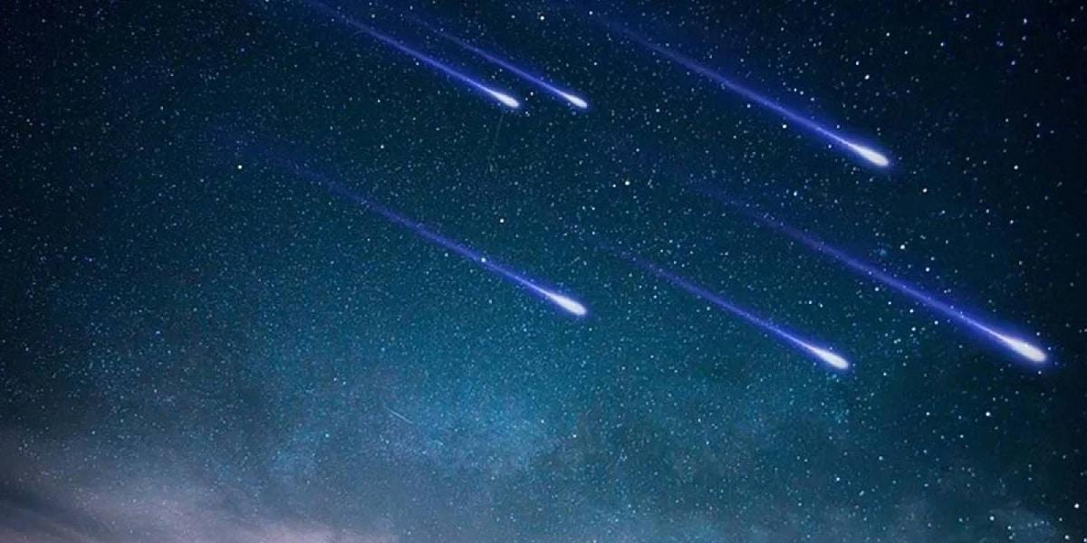 estrella fugaz en el cielo