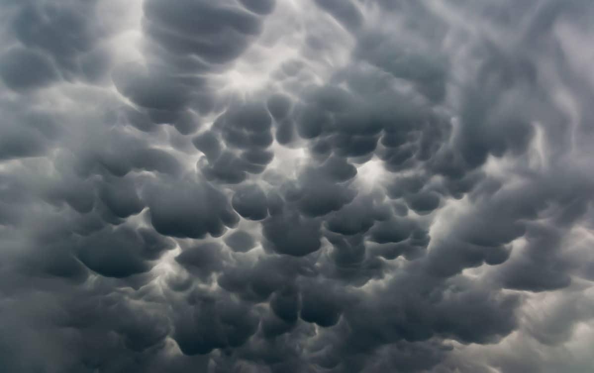 nubes de forma curiosa y extraña